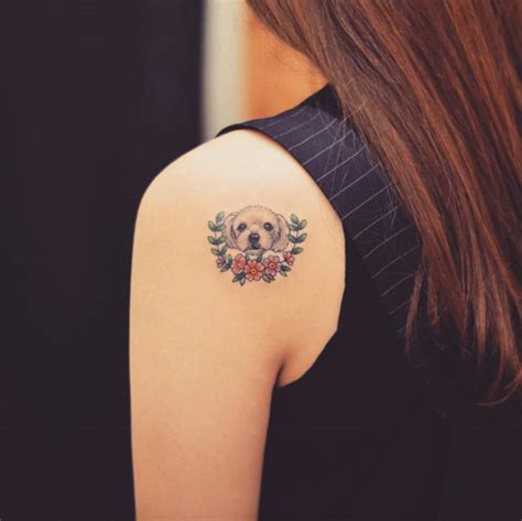 elegant tattoo on shoulder 30 elegant shoulder tattoos for women with style tattooblend