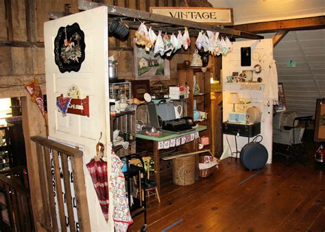 7 Amazing Vintage Stores by Vintage Booth Ideas Antique Mall Booth Display Ideas
