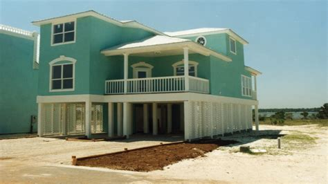 beach house plans pilings beach house plans on narrow lots beach house plans on