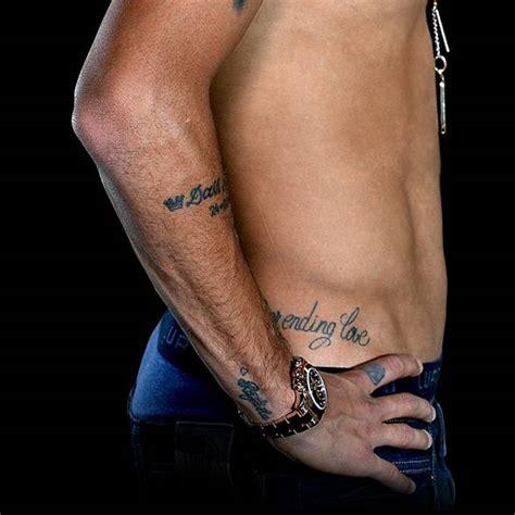 never ending love tattoo tatuaje que dice quot never ending love quot en el costado de