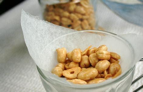 membuat telur asin rasa bawang resep cara membuat kacang bawang gurih asin renyah resep