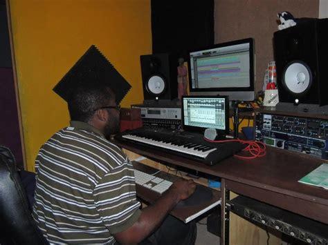 desk for studio monitors placing studio monitors on desk desk design ideas