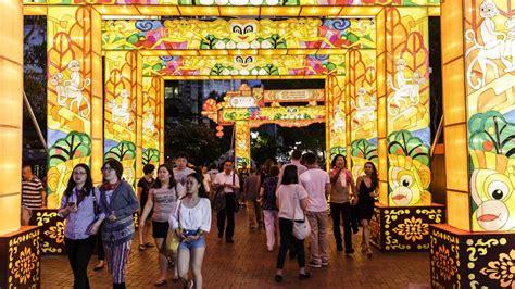 new year lantern festival 2016 sydney sydney ablaze with light in new year lantern