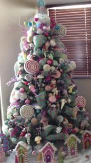 ideas para crear un arbol de navidad tematico de dulces