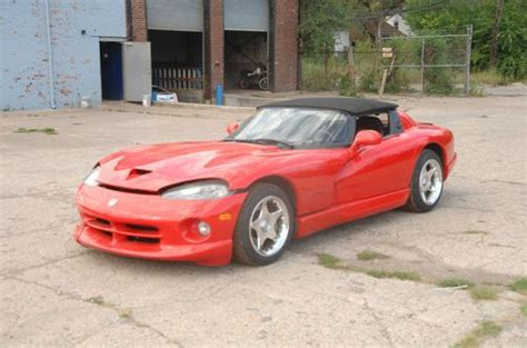 dodge viper 1998 dodge viper rt 10 for sale 1777351 hemmings motor news occasion le parking find used 1998 dodge viper rt 10 repairable in hamtramck michigan united states for us 20 000 00