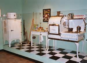 1930s kitchen design 1930 kitchen vintage retro