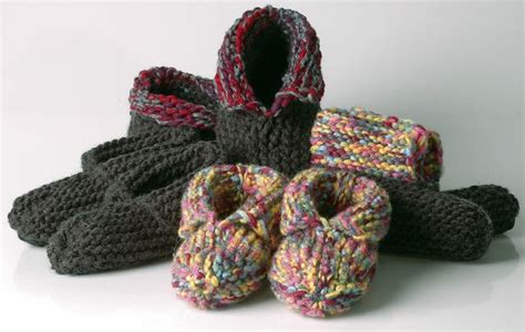 knitted moccasin slippers pattern 33 best knitted slippers images on knit