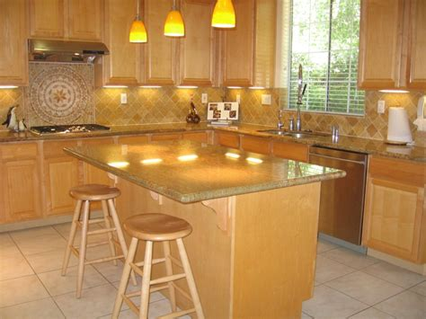 light maple kitchen cabinets small l shaped kitchen with maple cabinets with white