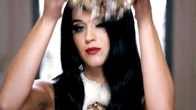 imagenes gif katy perry katy perry queen gif find share on giphy