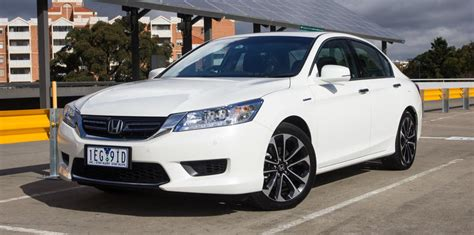 Honda Accord Compared To Toyota Camry Comparison Between Honda Accord And Toyota Camry