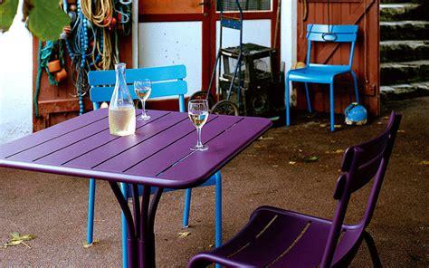 table jardin couleur royal sofa