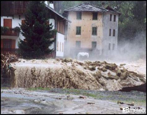cortile cascino le alluvioni che hanno segnato l italia 171 3b meteo