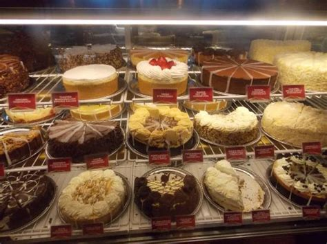 cheesecake factory hours vitrine de tortas picture of the cheesecake factory