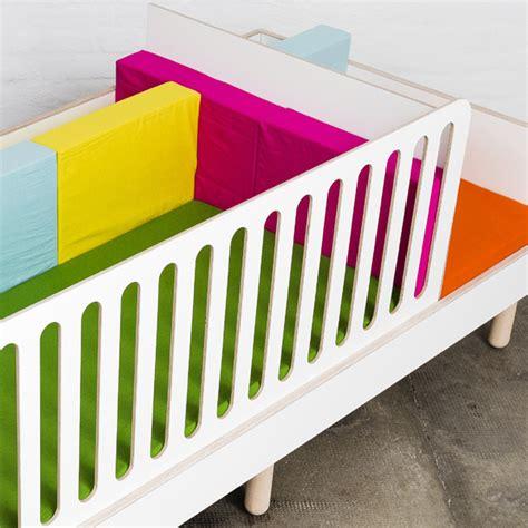 bett fallschutz fallschutz zu kinderbett growing bed mitwachsend position