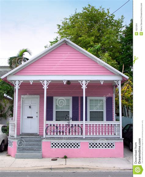 pink house pink house stock images image 1621264