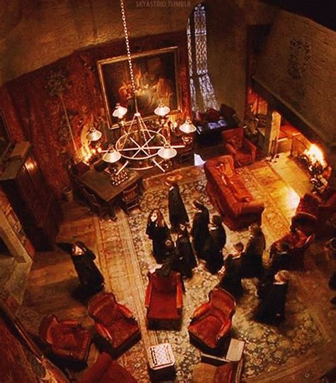 gryffindor bedroom welcome to the gryffindor common room harry potter pinterest harry potter theme