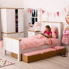Bedroom Decorating Ideas For Twenty Year Olds 1000 Images About Sarahs Room On