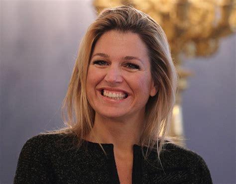 huis ten bosch maxima queen maxima of the netherlands smiles at the balcony room