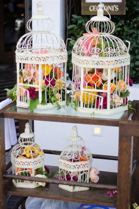 ideas para decorar con jaulas centro de mesa con jaula para decorar con flores jaulas