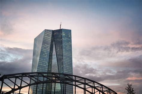 banche centrali banche centrali favoriti gli asset pi 249 esposti al rischio