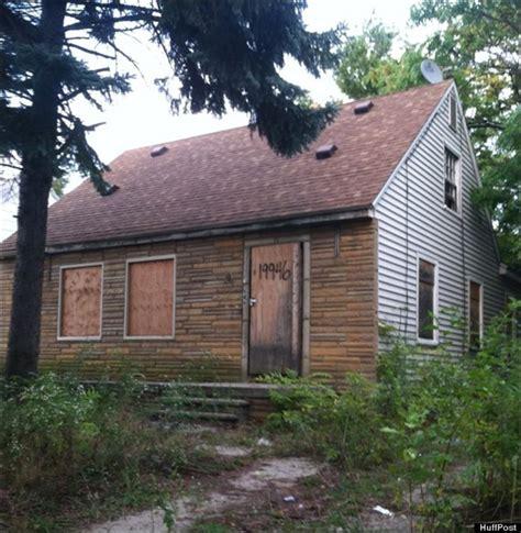 eminem home crew demolishes eminem s childhood home toledo blade