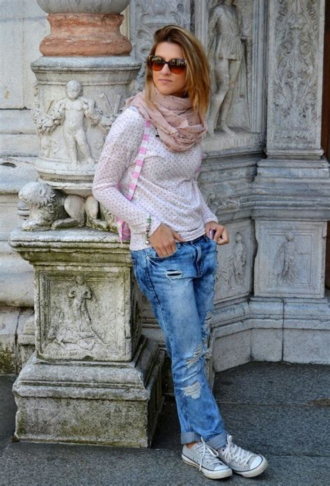 fall  comfortable  chic outfits  sneakers