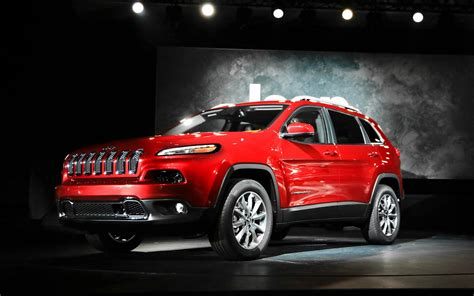 red jeep wallpaper red jeep cherokee wallpaper pc wallpaper wallpaperlepi