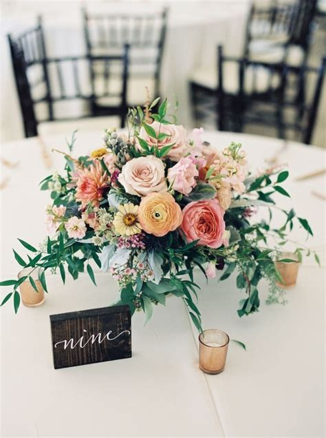 Center Wedding Flowers by Rustic Floral Wedding Centerpieces Www Pixshark