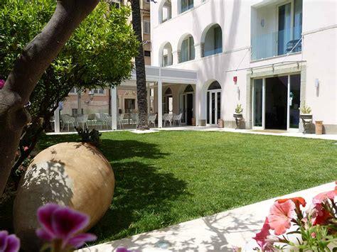 hotel il piccolo giardino hotel taormina hotel taormina 3 stelle hotel taormina