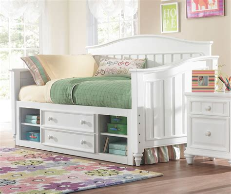 Daybeds with Storage   HomesFeed