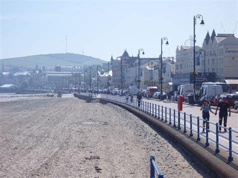 isle of man guide tt funfair on douglas promenade broadway beach douglas isle of man uk beach guide