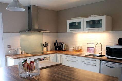 cuisine en bois blanc cuisine moderne blanc et bois