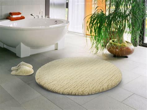 teppich im badezimmer badezimmer teppich kann ihr bad v 246 llig beleben archzine net
