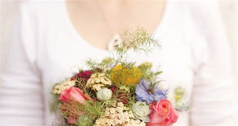 mazzo di fiori per matrimonio bouquet e mazzi di fiori per l anniversario
