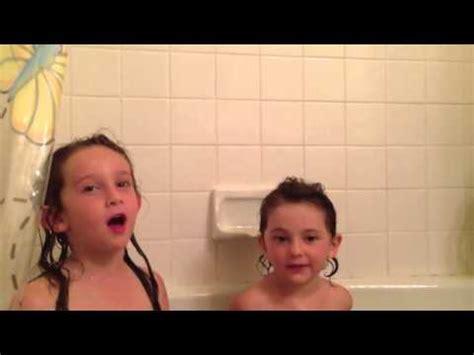 singing in the bathtub stella and lara singing in the tub doovi