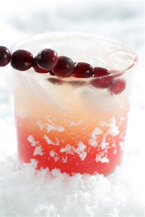 9 skinny holiday cocktails that won t wreck your waistline
