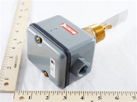 Flow Switch Johnson johnson controls f61lb 1 ss paddle spdt nema 3r flow switch