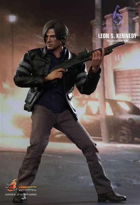 s kennedy figure toys resident evil 6 s kennedy 1 6th scale