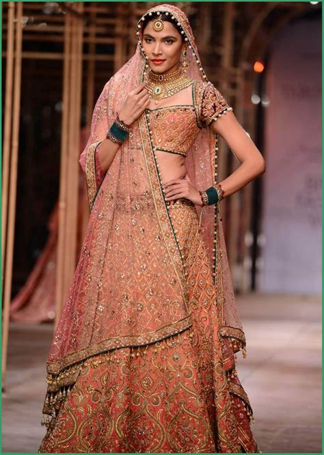 best indian dresses for marriage best traditional indian wedding dresses for bride women