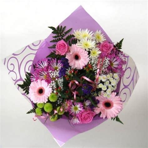 mazzi fiori recisi bouquet di fiori regalare fiori