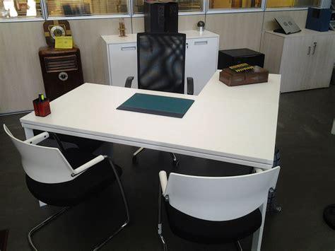 scrivania ufficio usata gimaoffice scrivania usata semi direzionale della rovere