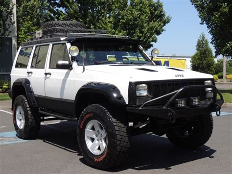 1989 Jeep Laredo 4x4 1989 Jeep Pioneer 4x4 5 Speed Manual Lifted
