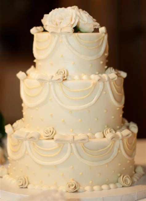Traditional Wedding Cakes by A Family Tree Of Holidays Trees Traditional