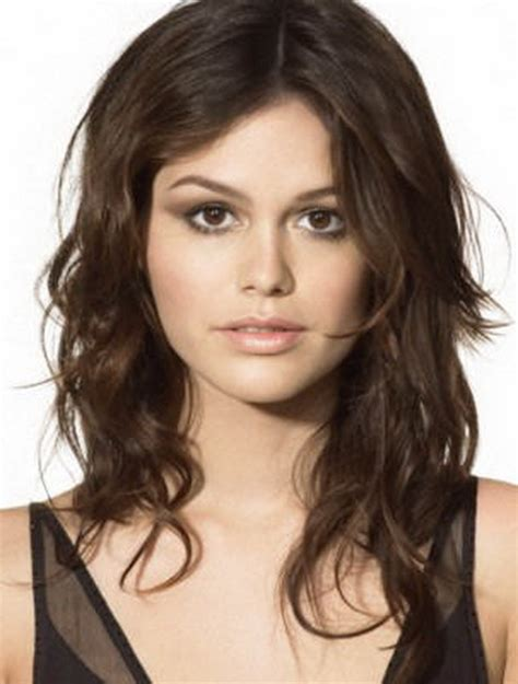 Layered haircuts for wavy hair