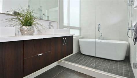 Freistehende Badewanne In Kleinem Bad by 135 Kleine Badewannen Freistehend Und Eingebaut