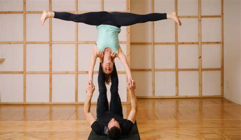 imagenes de yoga faciles acroyoga posturas dif 237 ciles sportlife
