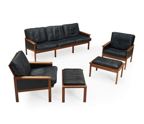 sofa mit zwei ottomanen eilersen sofa und zwei fauteuils mit ottomane d 228 nemark