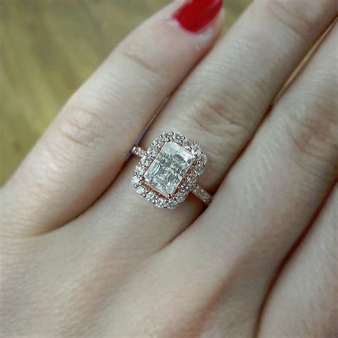 how to buy an emerald cut diamonds engagement rings
