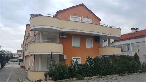 wohnung kaufen kroatien insel pag neuere wohnung in meern 228 he mit gro 223 er terrasse