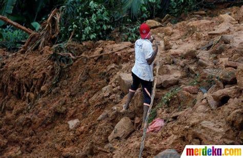 Buku Murah Banjir Dan Tanah Longsor Di Indonesia Erlangga For Ar foto banjir dan longsor terjang sri lanka 25 orang tewas merdeka